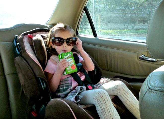 10 lưu ý cần nhớ khi chở trẻ em trên xe ôtô - 7