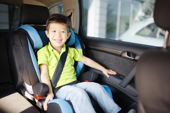 10 lưu ý cần nhớ khi chở trẻ em trên xe ôtô - 2