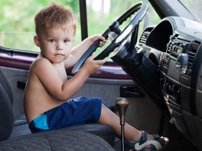 10 lưu ý cần nhớ khi chở trẻ em trên xe ôtô - 3