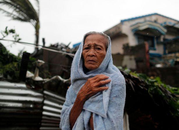 Cảnh tan hoang ở Philippines sau siêu bão Mangkhut sức gió 320 km/giờ - 4