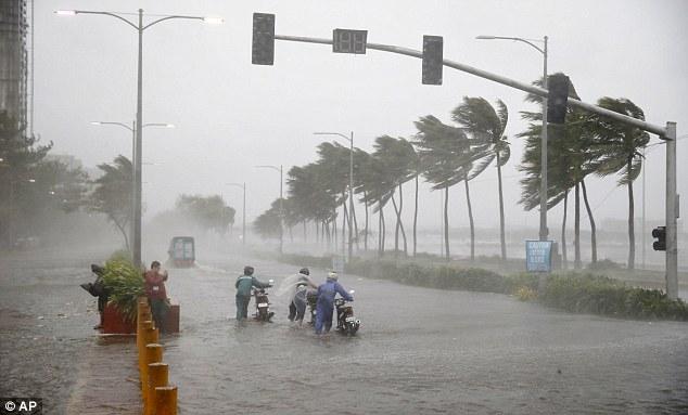 Cảnh tan hoang ở Philippines sau siêu bão Mangkhut sức gió 320 km/giờ - 11