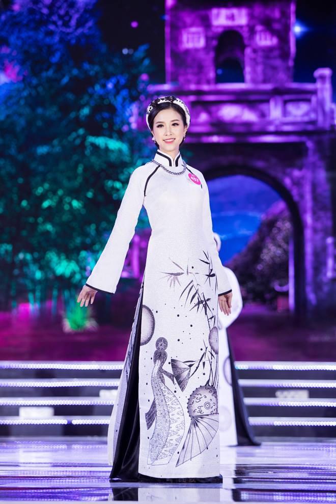 Nữ sinh 18 tuổi Quảng Nam đăng quang Hoa hậu Việt Nam 2018 - 14