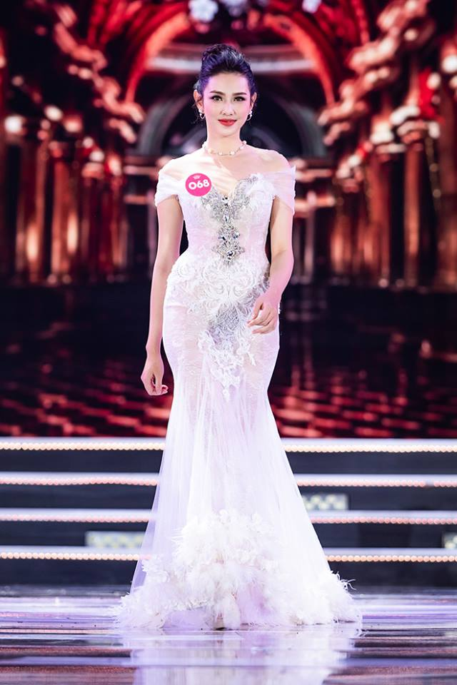 Nữ sinh 18 tuổi Quảng Nam đăng quang Hoa hậu Việt Nam 2018 - 4