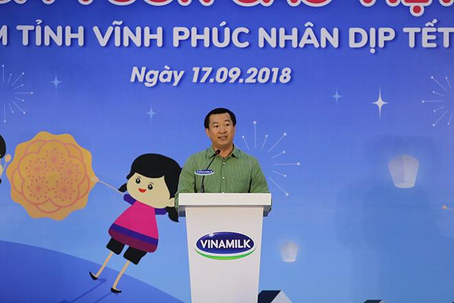 Quỹ Sữa Vươn Cao Việt Nam và Vinamilk trao 66.000 ly sữa cho trẻ em tỉnh Vĩnh Phúc - 2
