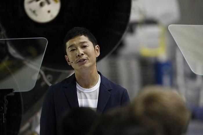Tỷ phú Nhật Bản chính thức là khách du lịch đầu tiên trên thế giới đến thăm mặt trăng - 4