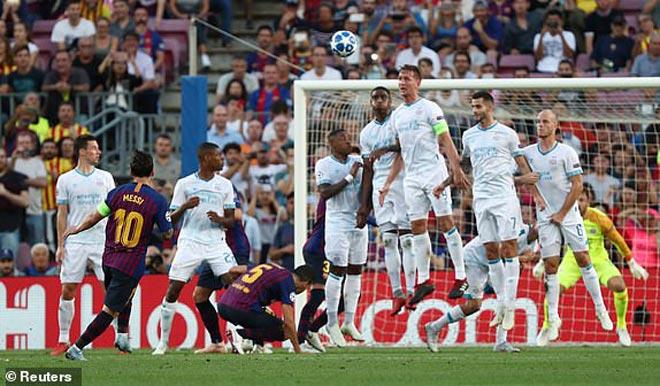 Messi bùng nổ hattrick cúp C1: Kỷ lục rực rỡ vượt Ronaldo, hơn cả lịch sử Man City - 1