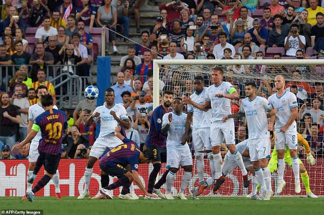 """Ấn tượng cúp C1: Messi """"hóa Thánh"""", Liverpool - PSG rượt đuổi khó tin - 1"""