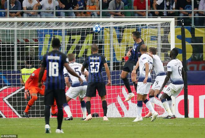 """Ấn tượng cúp C1: Messi """"hóa Thánh"""", Liverpool - PSG rượt đuổi khó tin - 6"""
