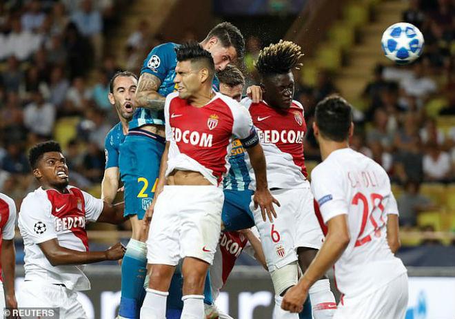 """Ấn tượng cúp C1: Messi """"hóa Thánh"""", Liverpool - PSG rượt đuổi khó tin - 8"""