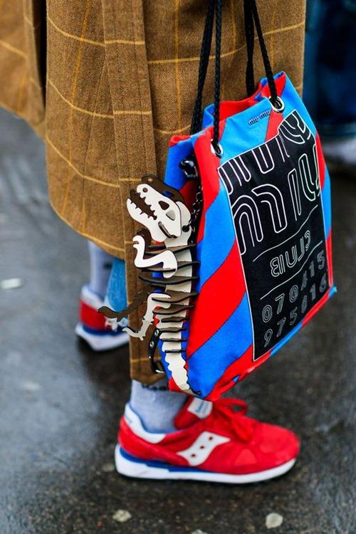 Mẹo phối giày và túi đảm bảo đẹp trong mọi hoàn cảnh - 1