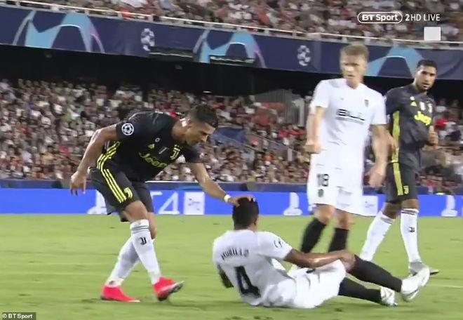 Ronaldo nhận thẻ đỏ cúp C1: Có bị treo giò 2 trận gặp MU – Mourinho? - 1