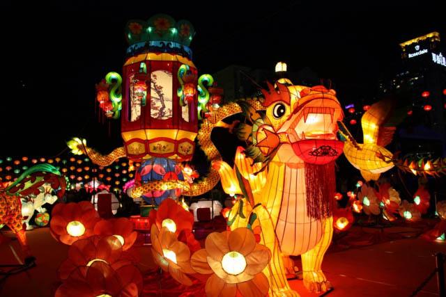 5 địa điểm vui chơi Trung thu không thể bỏ qua ở Sài Gòn - 2