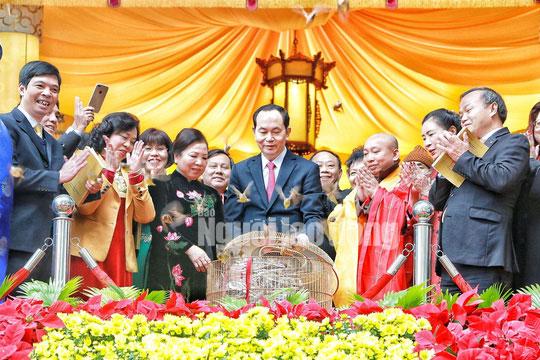 Những bức ảnh quý về Chủ tịch nước Trần Đại Quang - 10