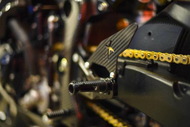 Choáng ngợp Suzuki GSX-R1000R carbon siêu hiếm, giá 816 triệu đồng - 7