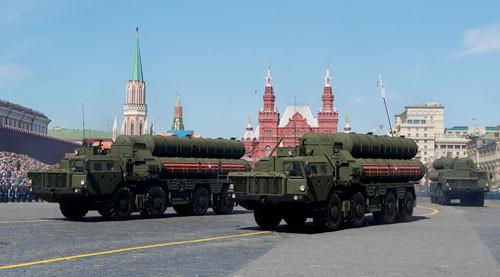Mỹ trừng phạt Nga, Trung Quốc dính đòn - 1