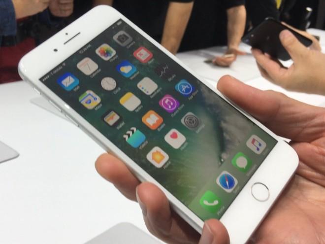 8 lý do bạn nên mua iPhone 7 thay vì iPhone Xr, Xs và Xs Max - 3