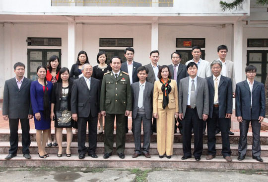Những hình ảnh đẹp, gần gũi của Chủ tịch nước Trần Đại Quang với mái trường xưa - 13
