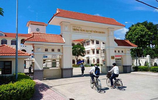 Những hình ảnh đẹp, gần gũi của Chủ tịch nước Trần Đại Quang với mái trường xưa - 2