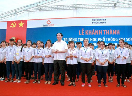 Những hình ảnh đẹp, gần gũi của Chủ tịch nước Trần Đại Quang với mái trường xưa - 5