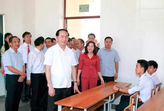 Những hình ảnh đẹp, gần gũi của Chủ tịch nước Trần Đại Quang với mái trường xưa - 7