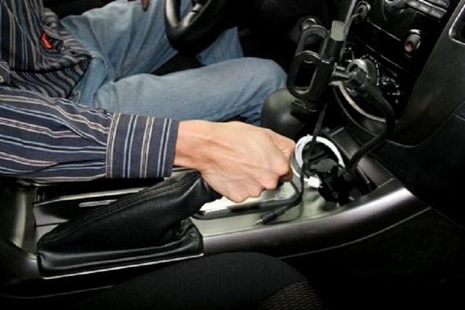 Những thói quen vô tình gây hại cho hệ thống phanh ôtô - 2