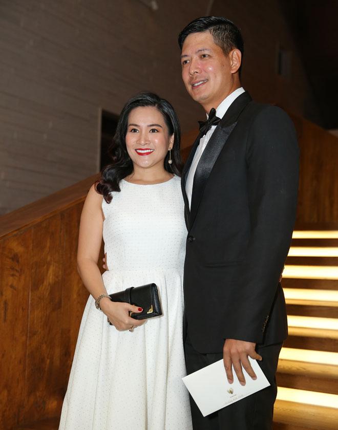 Trường Giang, Nhã Phương đãi tiệc đẹp không khác tiên cảnh, sao Việt đổ về tham dự - 7