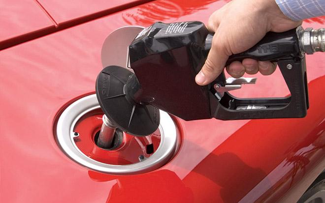 Đổ nhầm nhiên liệu cho xe, hậu quả và cách xử lý? - 3