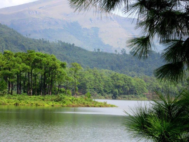Hồ Yên Trung - điểm du lịch mới ngỡ trời Tây nơi đất mỏ Quảng Ninh - 2