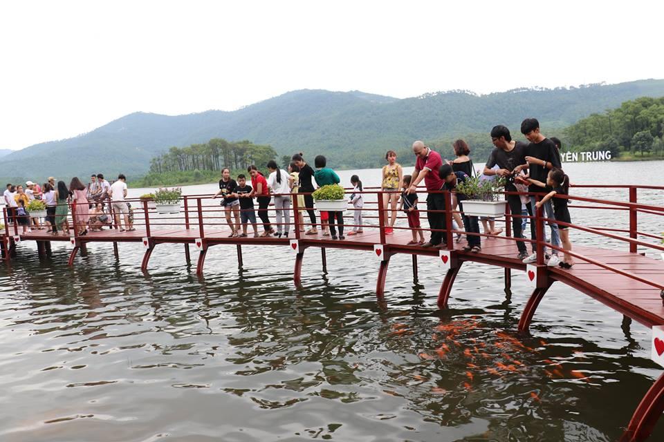 Hồ Yên Trung - điểm du lịch mới ngỡ trời Tây nơi đất mỏ Quảng Ninh - 6