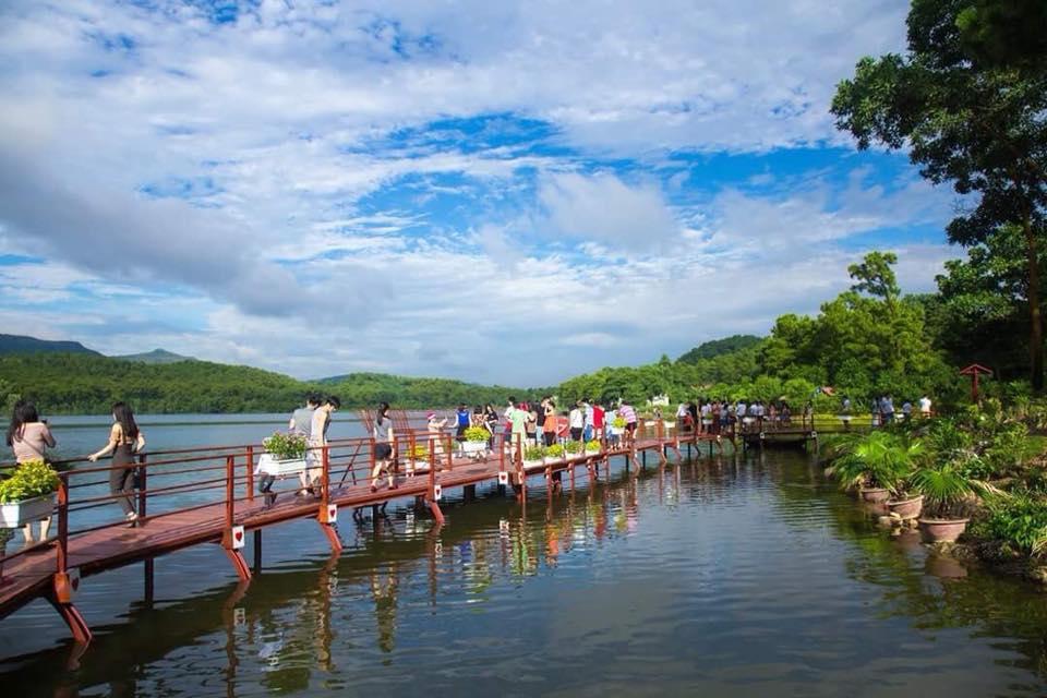 Hồ Yên Trung - điểm du lịch mới ngỡ trời Tây nơi đất mỏ Quảng Ninh - 7