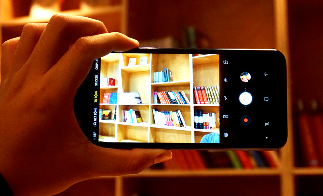 Đánh giá Galaxy J6+: Thiết kế ổn, chụp xóa phông tốt - 4