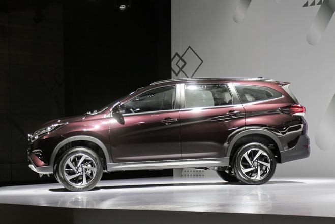 """Tìm hiểu chiếc """"tiểu Fortuner"""" Toyota Rush vừa ra mắt - 2"""