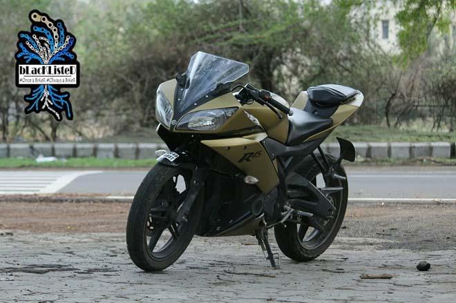 """Yamaha YZF-R15 Version 2.0 """"đẹp xuất sắc"""" trong màu đen vàng mờ - 3"""