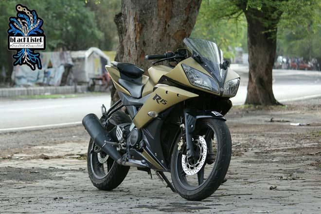 """Yamaha YZF-R15 Version 2.0 """"đẹp xuất sắc"""" trong màu đen vàng mờ - 5"""