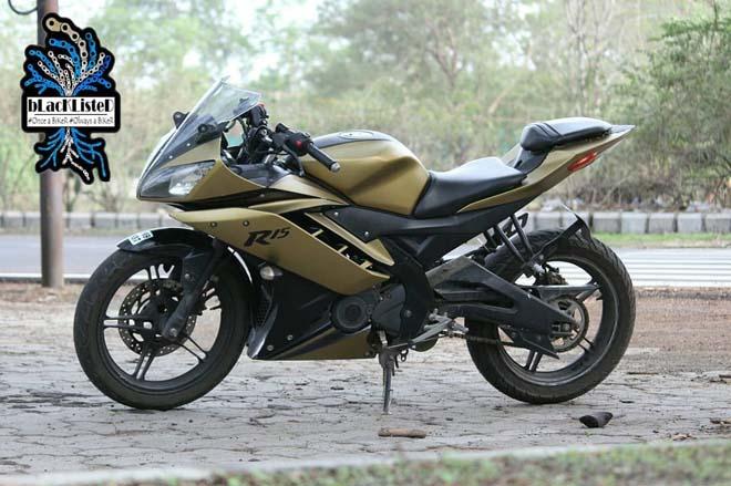 """Yamaha YZF-R15 Version 2.0 """"đẹp xuất sắc"""" trong màu đen vàng mờ - 2"""