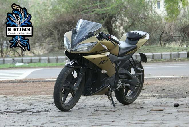 """Yamaha YZF-R15 Version 2.0 """"đẹp xuất sắc"""" trong màu đen vàng mờ - 9"""