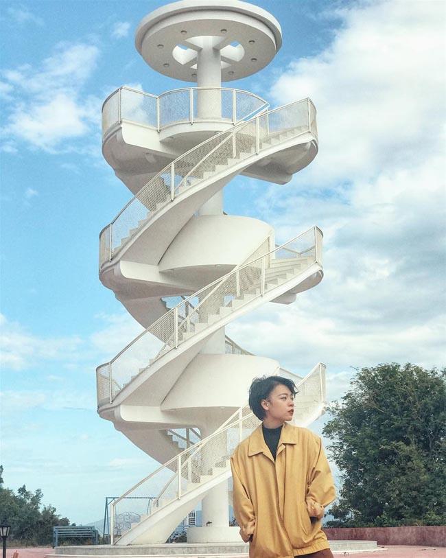 """""""Nấc thang lên thiên đường"""": Địa điểm check-in mới toanh cực ảo diệu nằm ngay tại Nha Trang - 2"""