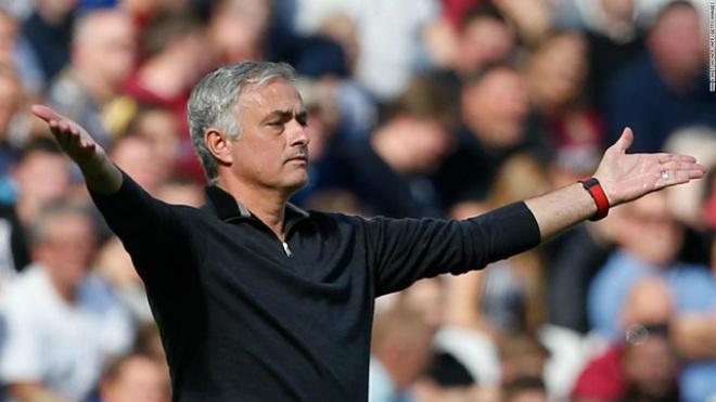 """MU đại khủng hoảng: Chờ Mourinho """"bay ghế"""", Juventus đặt lịch cuỗm Pogba - 1"""