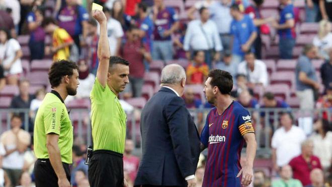 """Messi bật trọng tài """"thù dai"""", bóng gió Barca là gánh nặng - 2"""