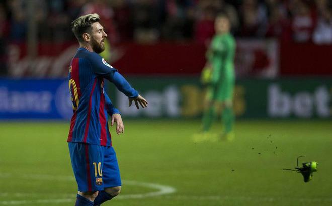 """Messi bật trọng tài """"thù dai"""", bóng gió Barca là gánh nặng - 3"""