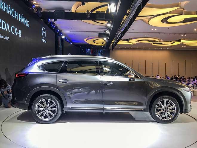 Cận cảnh chiếc SUV Mazda CX-8 tại buổi ra mắt khu vực phía Nam - 13