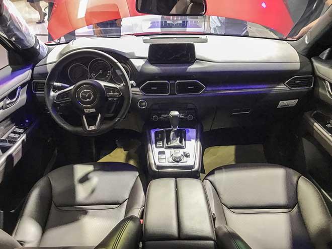 Cận cảnh chiếc SUV Mazda CX-8 tại buổi ra mắt khu vực phía Nam - 9