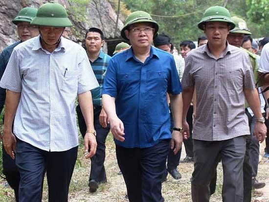Rừng ở 5 tỉnh miền Trung bị cháy - 2