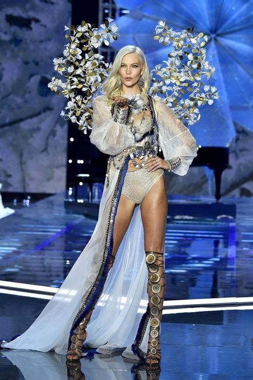 Hồi tàn của Victoria's Secret: Đóng cửa hàng, truyền hình cắt sóng, thiên thần quay lưng - 3