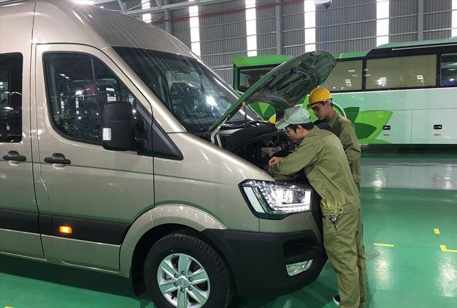 Xe nhập khẩu ồ ạt tràn về, doanh nghiệp sản xuất lắp ráp ô tô sẽ ra sao? - 1