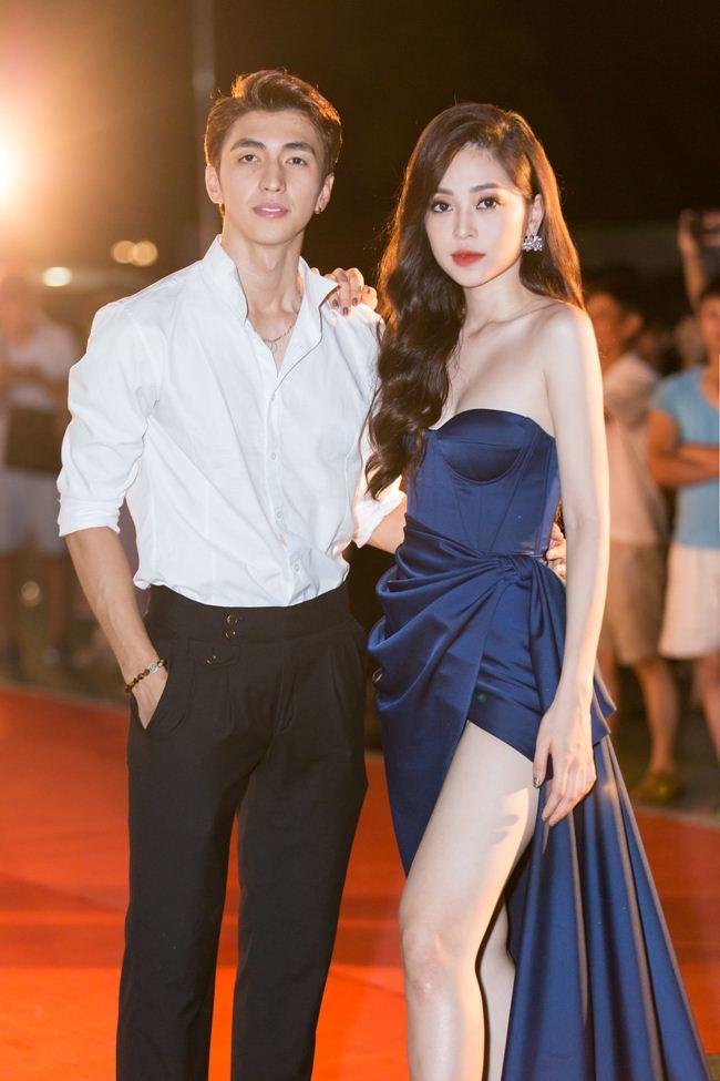 Mai Phương Thúy nam tính với suit, Tiểu Vy diện váy xẻ cao - 6