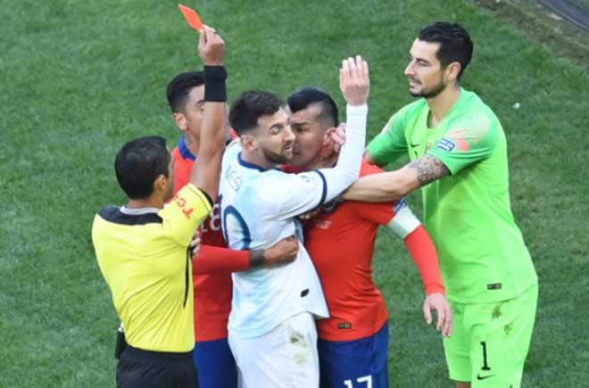 Argentina - Chile: Đột biến 10 phút, đảo lộn thẻ đỏ siêu sao - 2