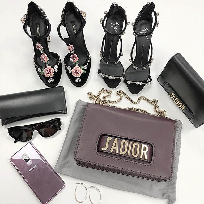 Bóc giá túi, giày hiệu đẹp và trendy được Ninh Dương Lan Ngọc khoe trong nhà tắm - 10