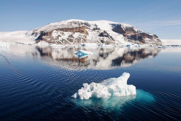 Những ngọn núi nguy hiểm nhất thế giới nhưng du khách vẫn ùn ùn ghé qua - 2
