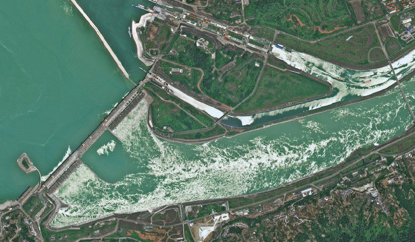 TQ lên tiếng về hình dạng bất thường của đập thủy điện lớn nhất hành tinh - 2